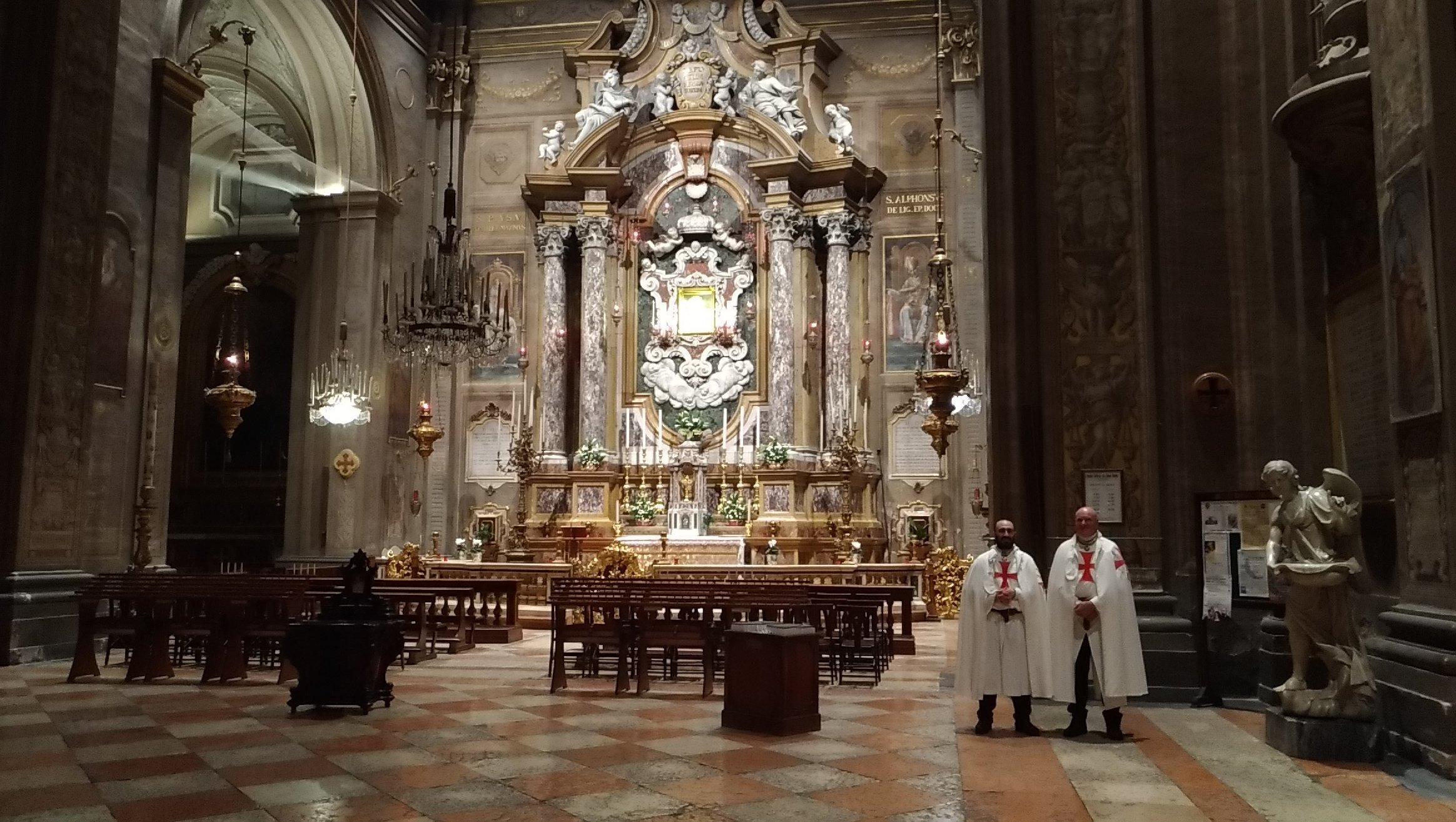 I Templari Cattolici d'Italia prestano servizio durante l'Adorazione Eucaristica Organizzata dalla Pastorale Giovanile della Diocesi di Ferrara