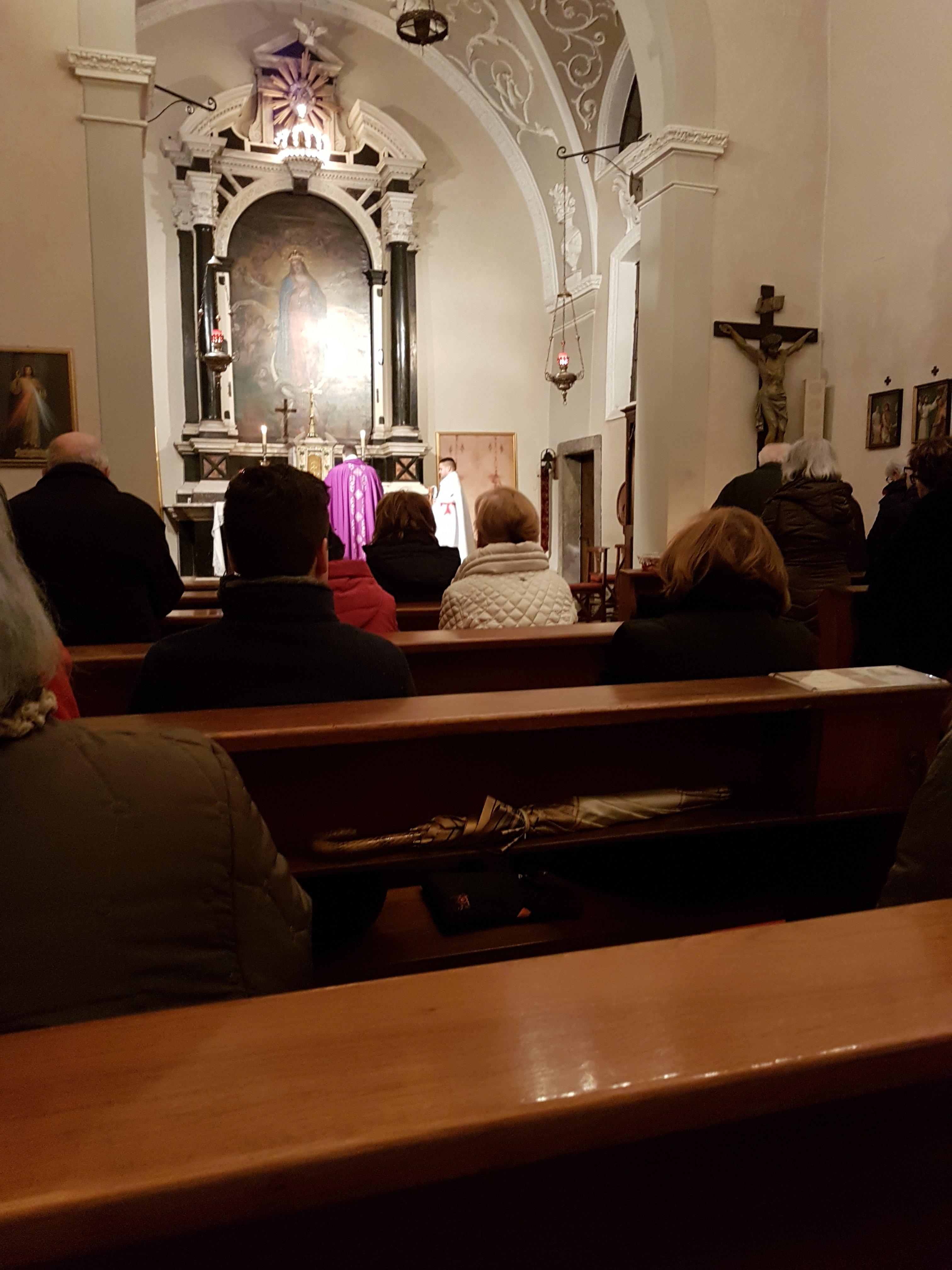 I Templari Cattolici d'Italia prestano servizio durante la Celebrazione Eucaristica presso la chiesa dell'Immacolata di Gorizia dopo il settimanale servizio pomeridiano.