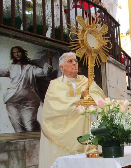 I Templari Cattolici d'Italia partecipano alle celebrazioni del Corpus Domini ad Ancona, presiede il Cardinale Sua Eminenza Edoardo Menichelli.