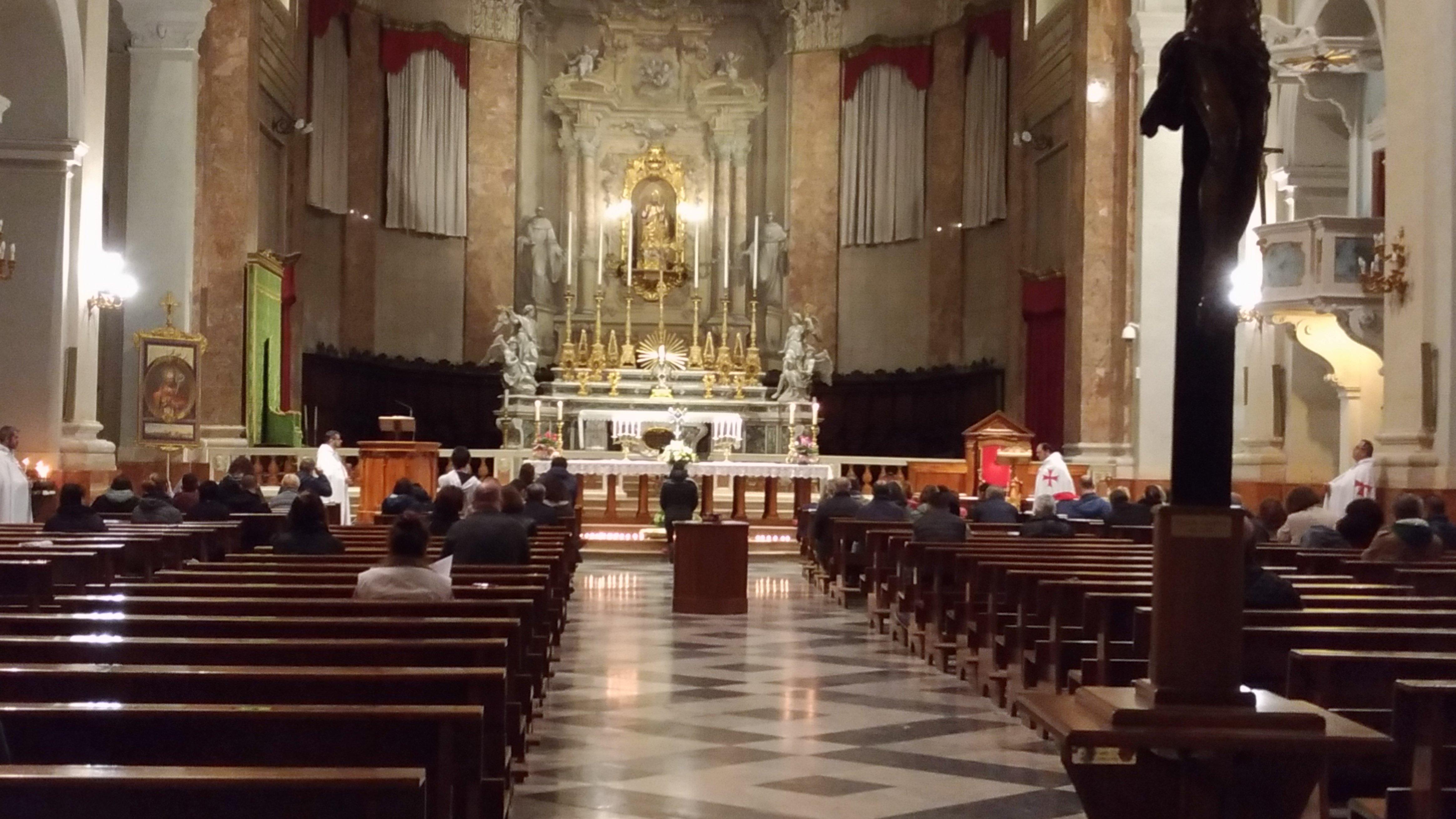 I Templari Cattolici D'Italia partecipano All'adorazione Eucaristica Organizzata dalla Pastorale Giovanile e guidata da don Roberto Panbianchi, responsabile diocesano della Pastorale Giovanile, come da accordo con l'Arcivescovo di Ferrara Sua Eccellenza Monsignor Giancarlo Perego Comacchio.