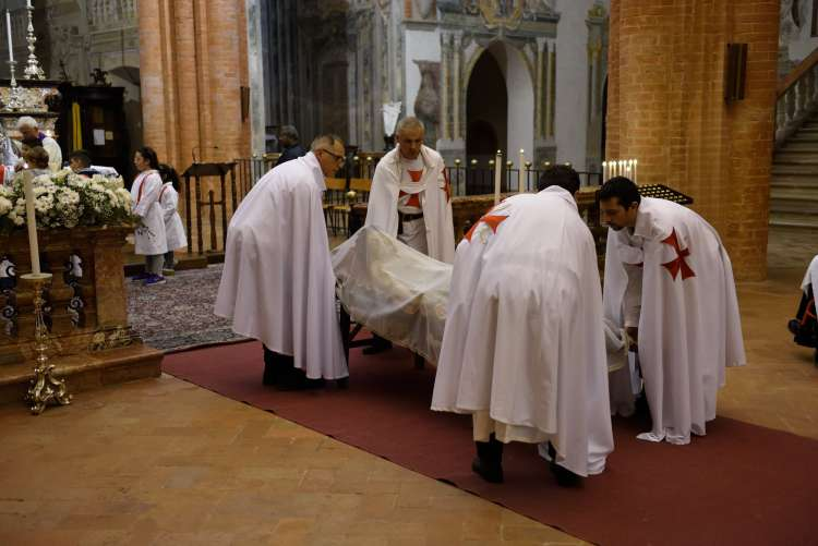 I Templari Cattolici d'Italia partecipano alla via curcis cittadina presso Chiaravalle della Colomba.
