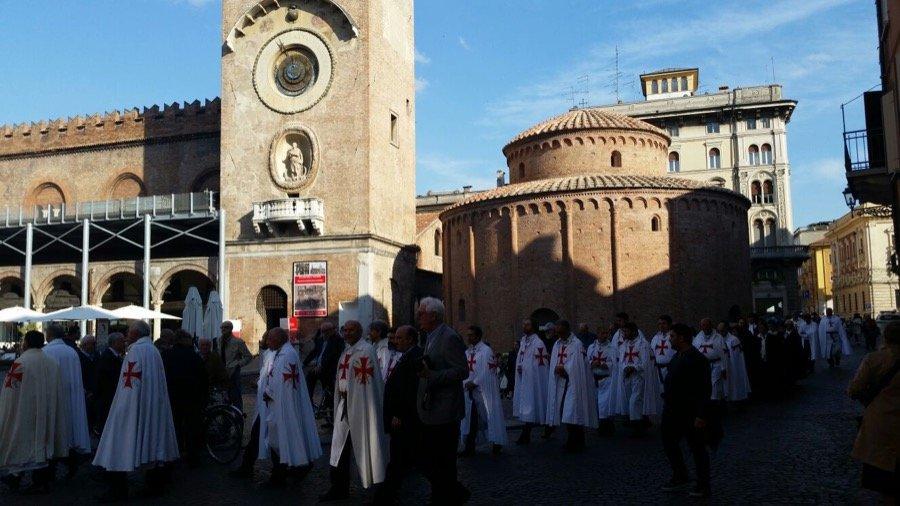 Mantova: camminata silenziosa e Santa Messa