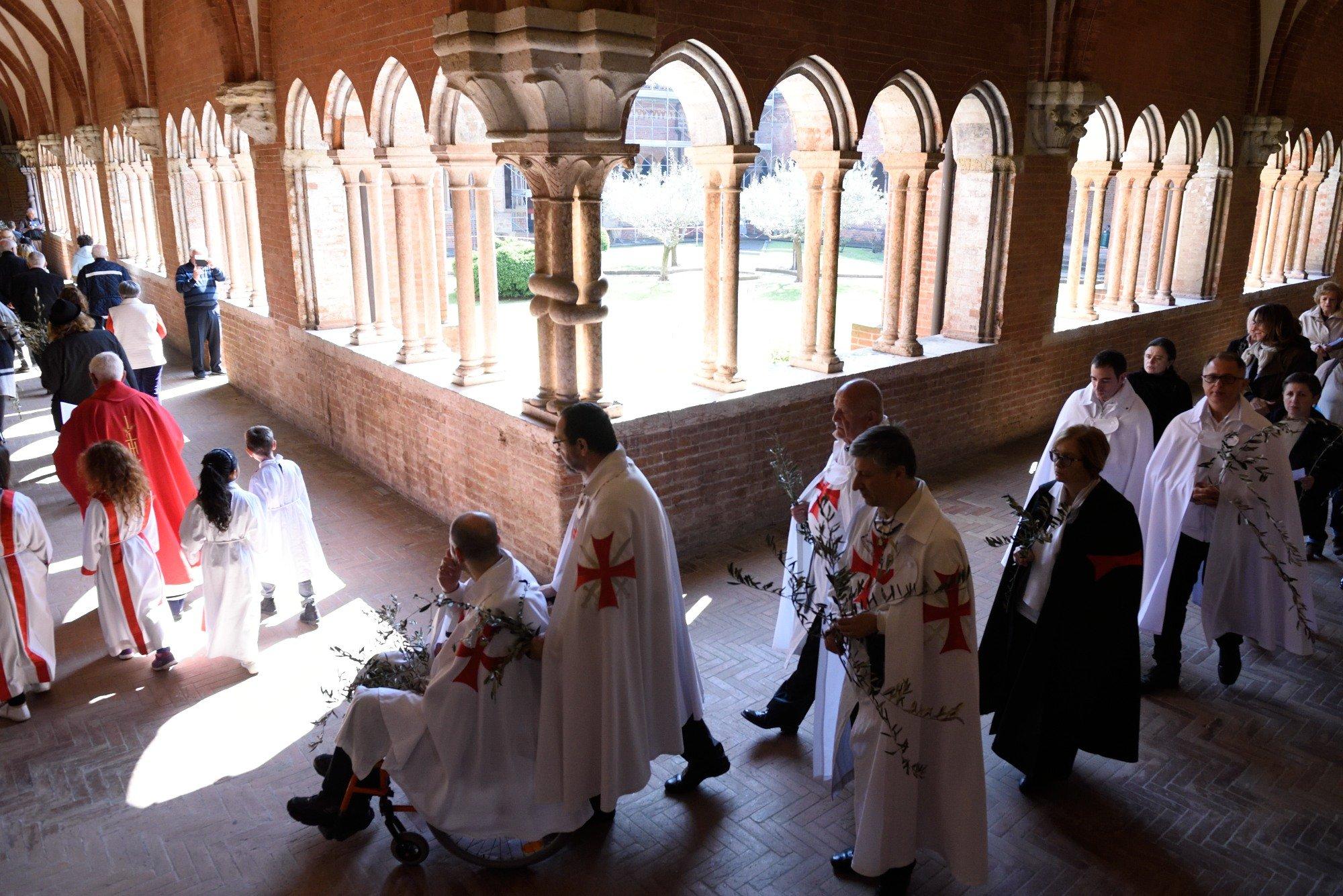 I Templari Cattolici d'Italia partecipano alle celberazioni per le palme a Chiaravalle della Colomba