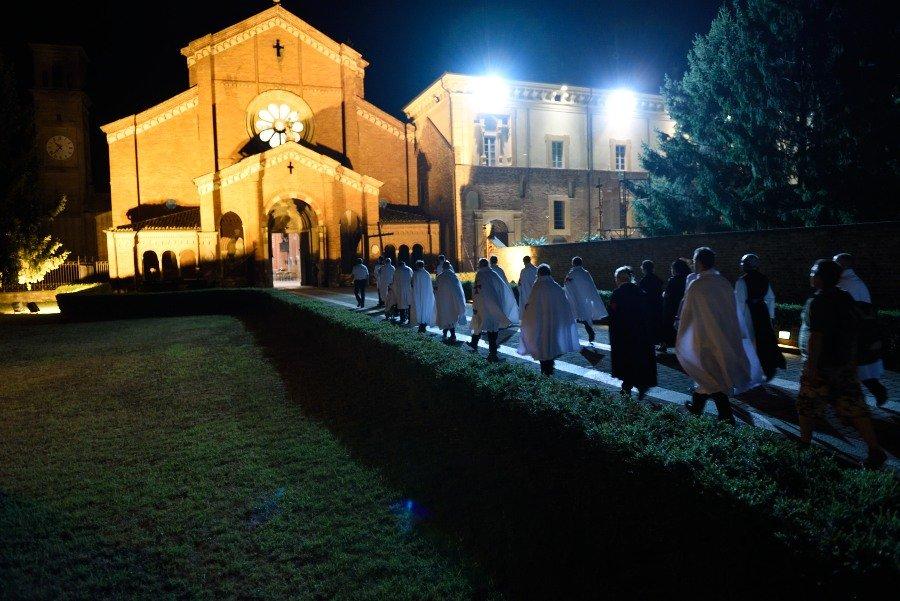 I Templari Cattolici d'Italia partecipano alla processione da Fiorenzuola d'Arta a Chiaravalle della Colomba