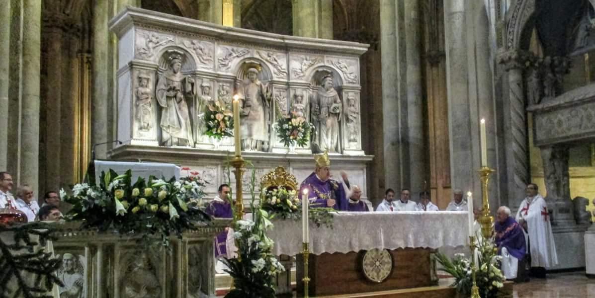 I Templari Cattolici d'Italia partecipano alla Celebrazione Eucaristica presieduta da Sua Eminenza Crescienzo Sepe, cardinale ed Arcivescovo Metropolita di Napoli.