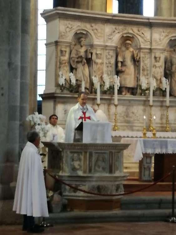 I Templari Cattolici d'Italia partecipano alla Santa Messa con la presenza delle Reliquie di San Giovanni Paolo II Papa, a Napoli.