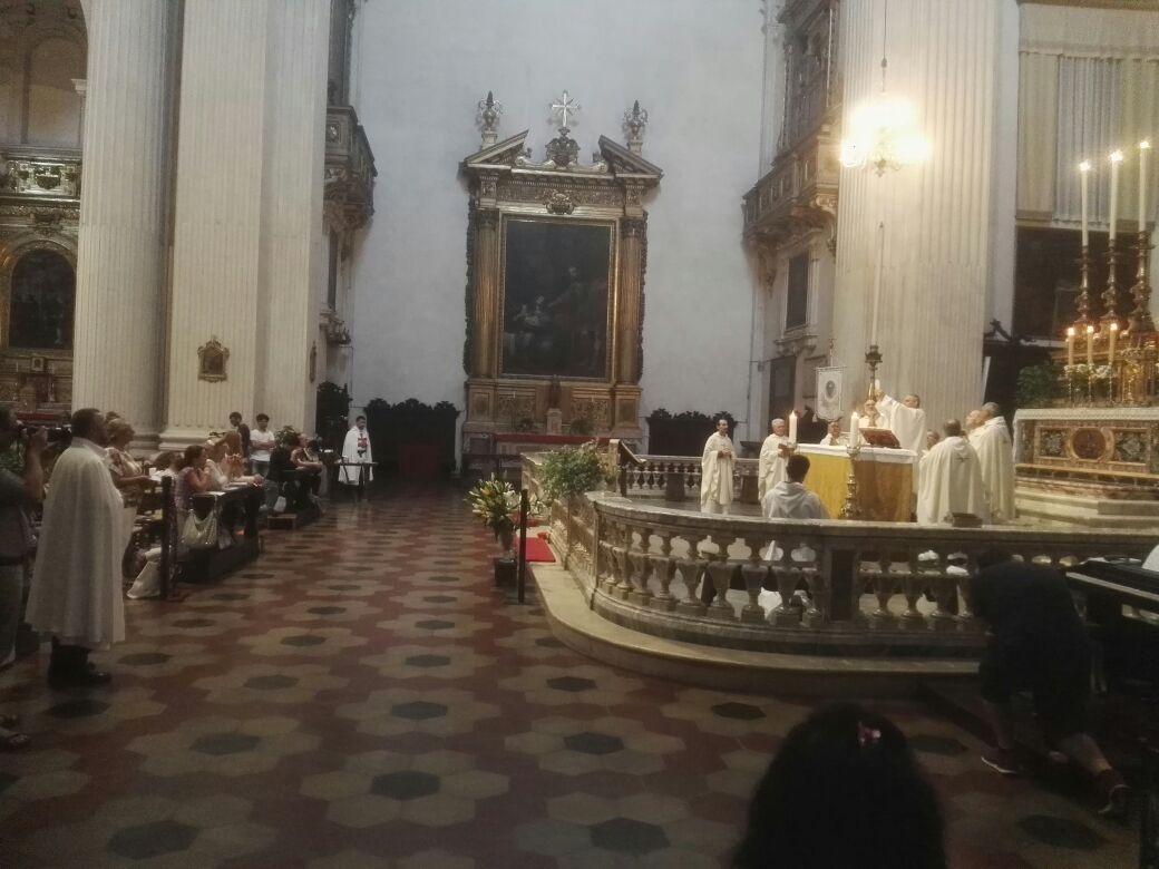 I Templari Cattolici d'Italia partecipano al primo anno dell'Adorazione Eucaristica perpetua a Bologna.