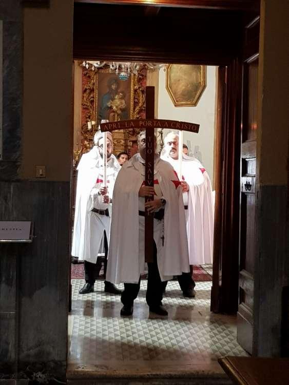 I Templari Cattolici d'Italia prestano servizio presso la Basilica di San Lorenzo in Lucina a Roma durante la Celebrazione Eucaristica Domenicale.