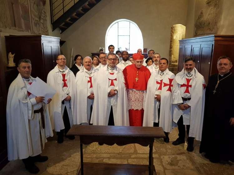 I Templari Cattolici d'Italia prestano servizio durante la Celebrazione Eucaristica presieduta da Sua Eminenza Reverendissima il Cardinale Ernest Simoni a Sant'Antimo.