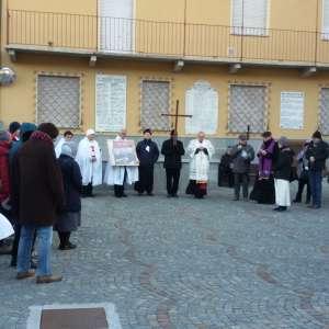 Processione con S.E. Alfonso B. Confalonieri, Vescovo d Susa per commemorare i Beati Zelia Guerin e Luigi Martin