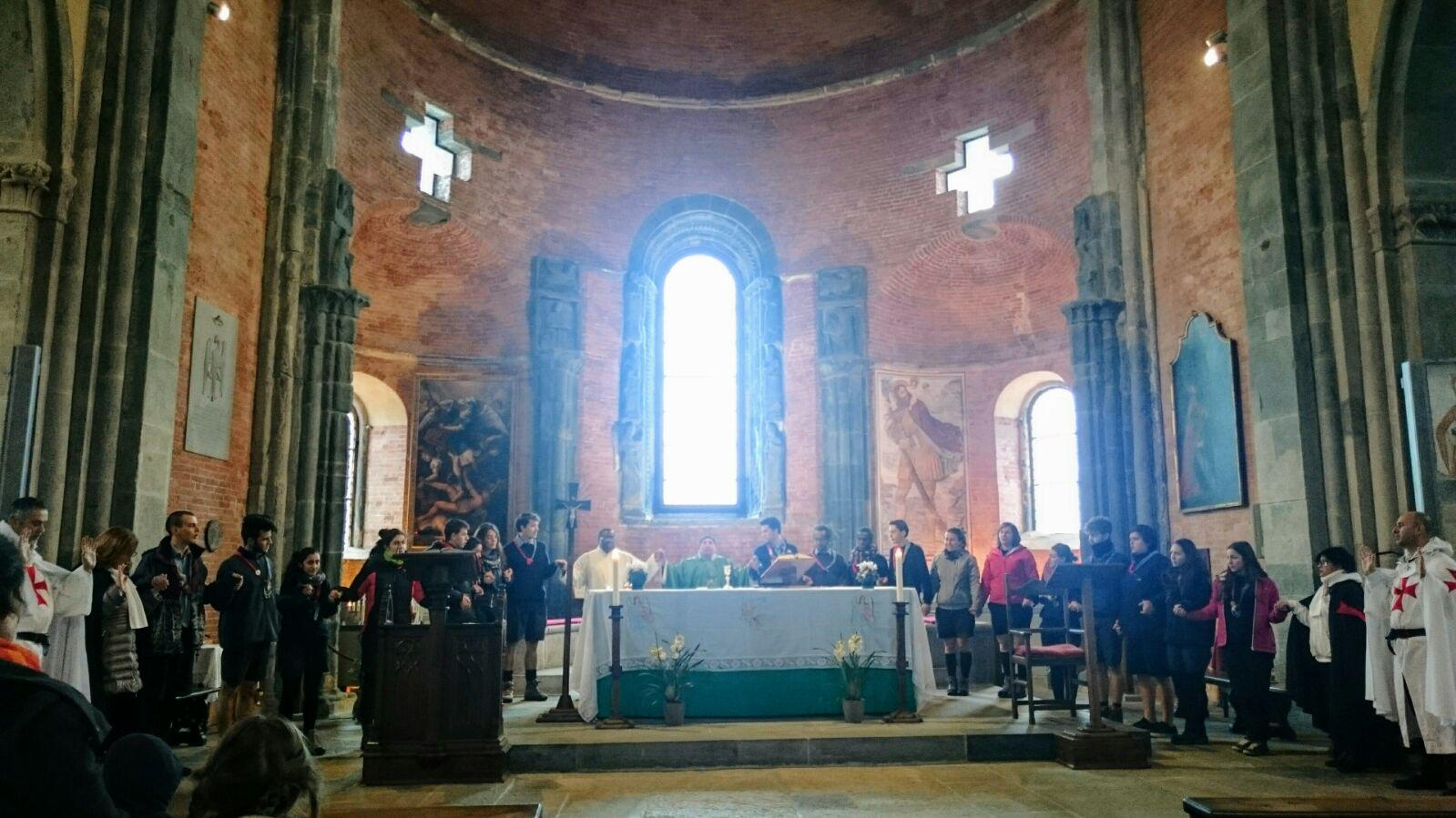 I Templari Cattolici d'Italia custodiscono la Sacra di San Michele con partecipazione alla Santa Messa.