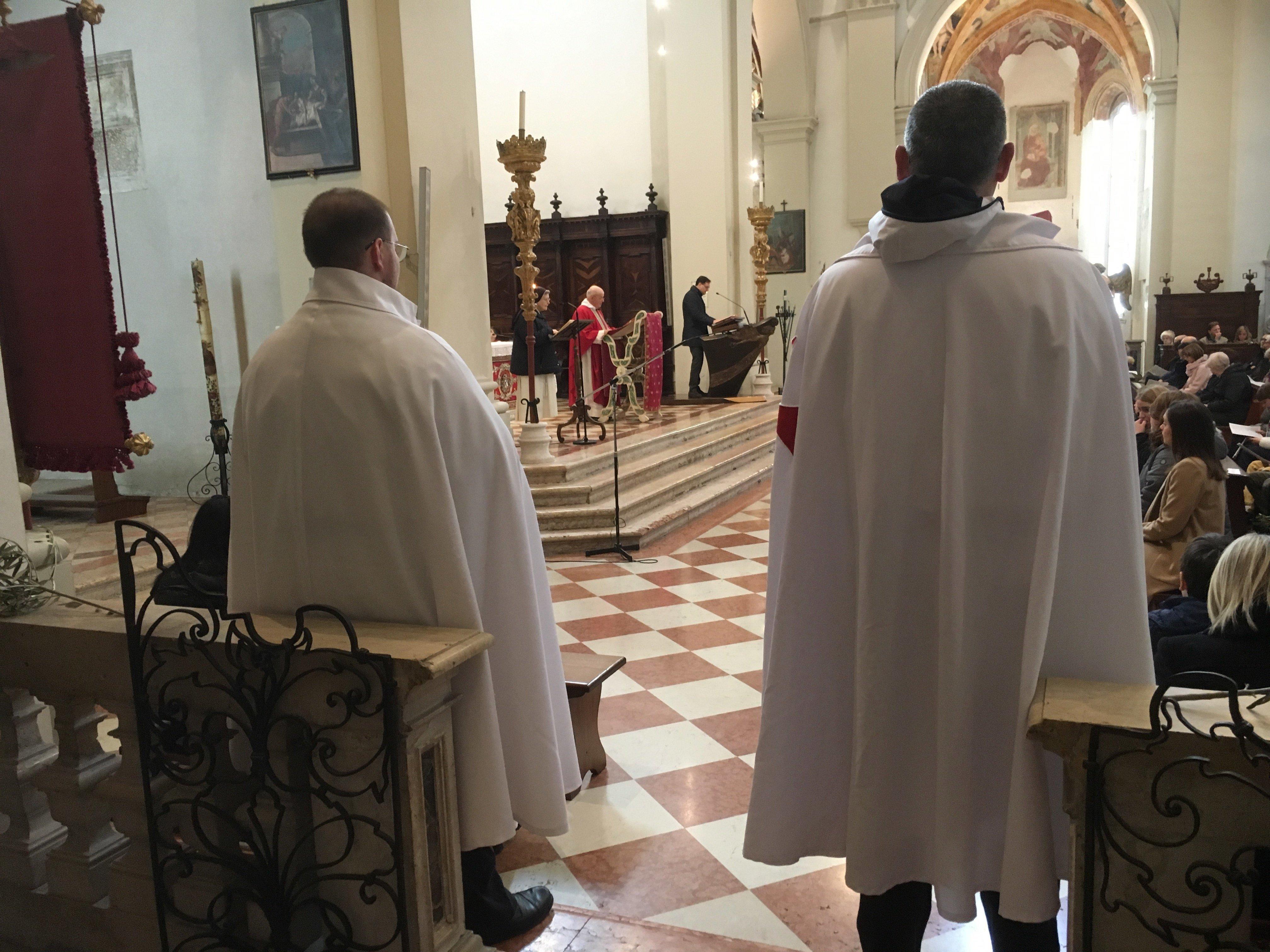 I Templari Cattolici d'Italia prestano servizio durante la Santa Messa Solenne delle Palme a Pordenone