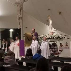Madonna Pellegrina di Fatima a Trezzano Sul Naviglio con Mons. Mario Delpini.