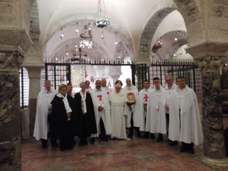 I Templari Cattolici d'Italia partecipano alla Santa Messa e Camminata Silenziosa per la Fede a Bari.