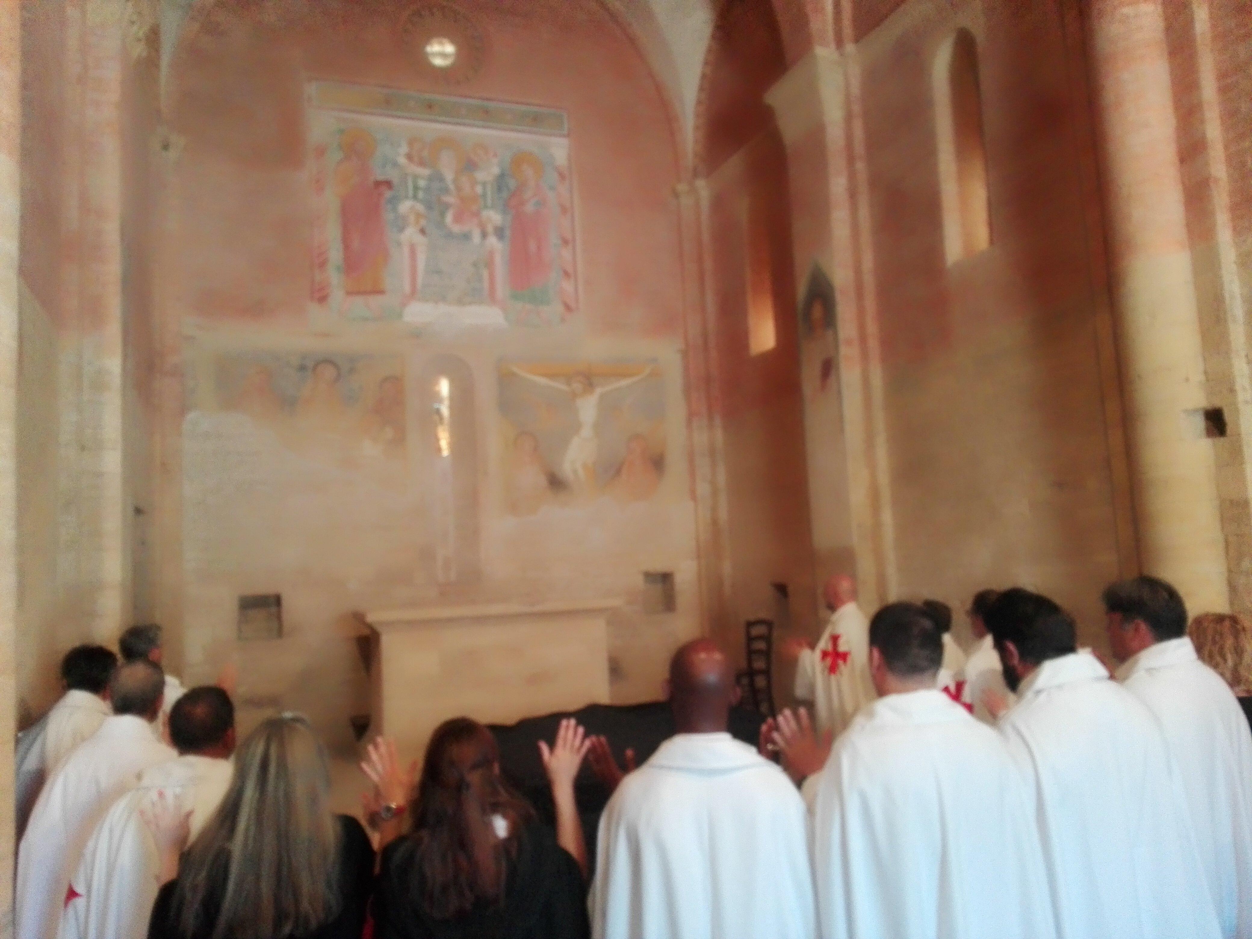 I Templari Cattolici d'Italia partecipano alla Santa Messa nel duomo di San Gimignano, a seguire, camminata silenziosa per la fede.