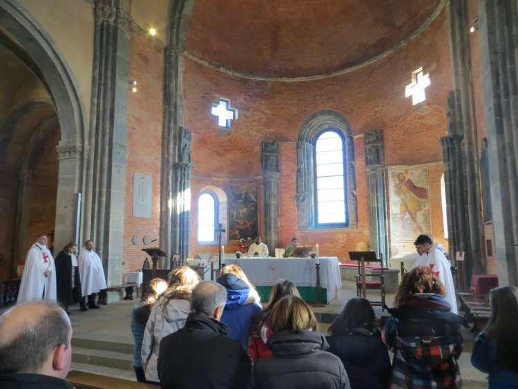 I Templari Cattolici d'Italia partecipano alla Santa Messa presso Sacra di San Michele.