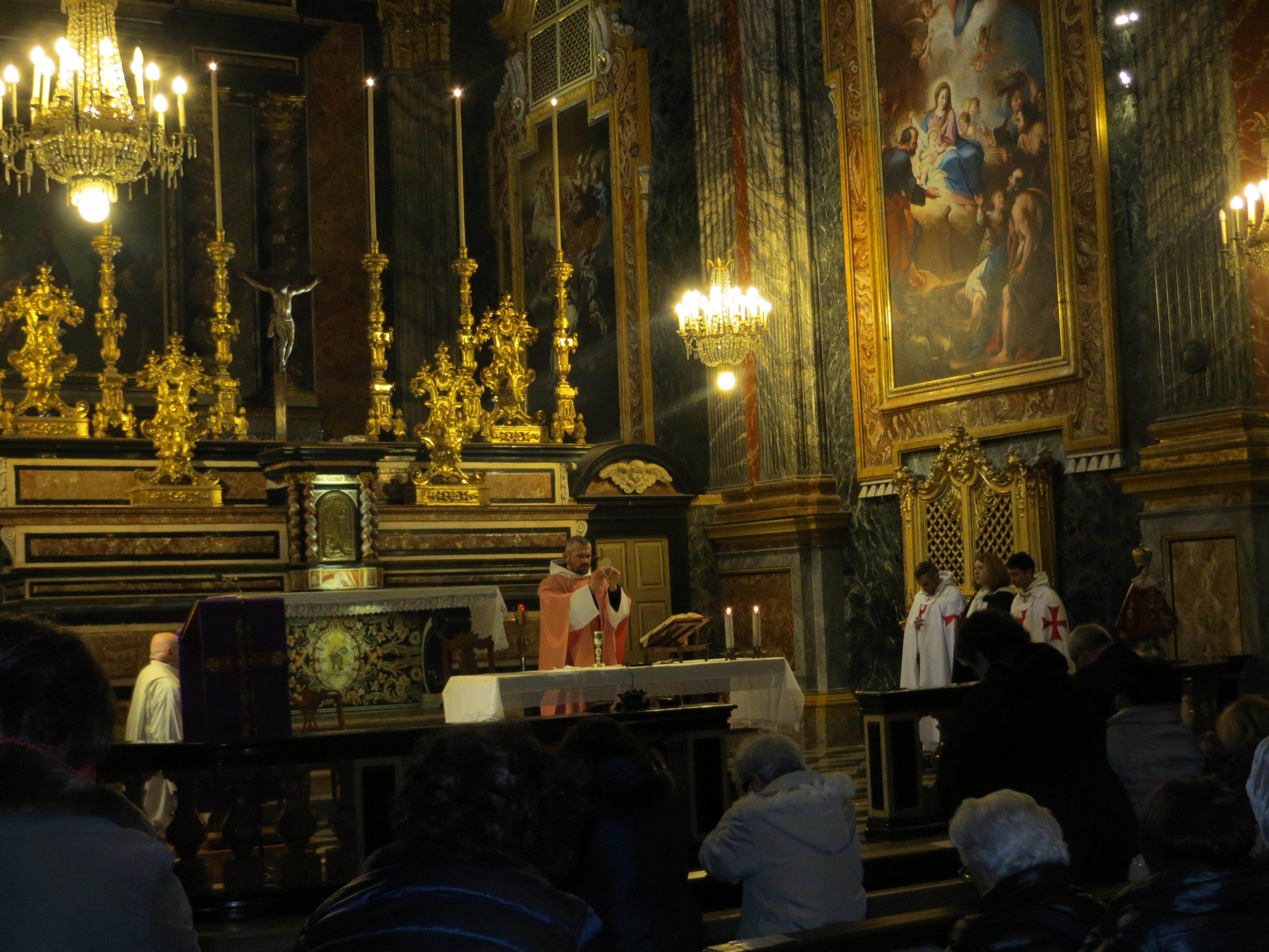 I Templari Cattolici d'Italia partecipano alle celebrazioni per la commemorazione di Gesù Bambino di Praga.