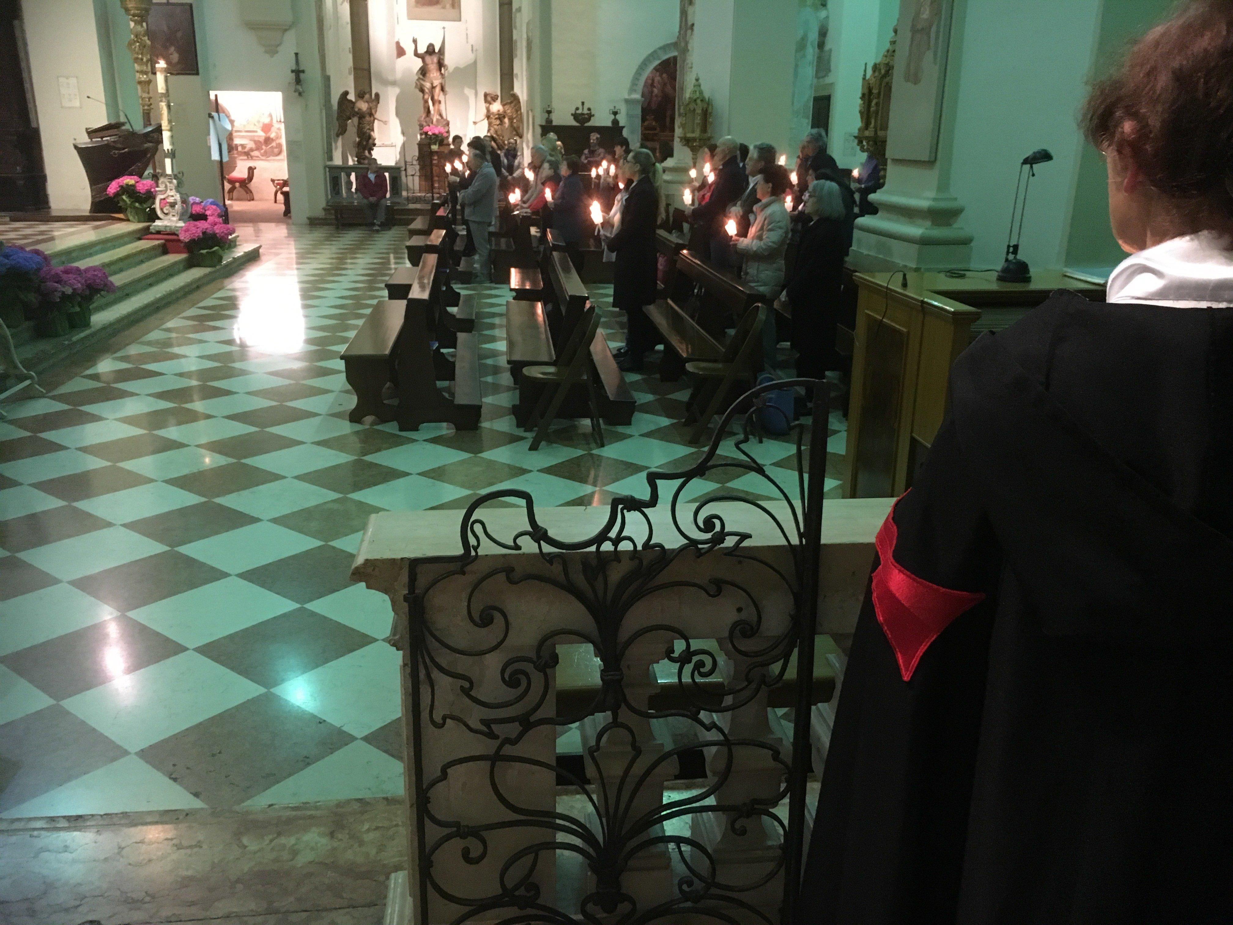 I Templari Cattolici d'Italia prestano servizio presso il duomo di Pordenone per le celebrazioni della veglia pasquale.