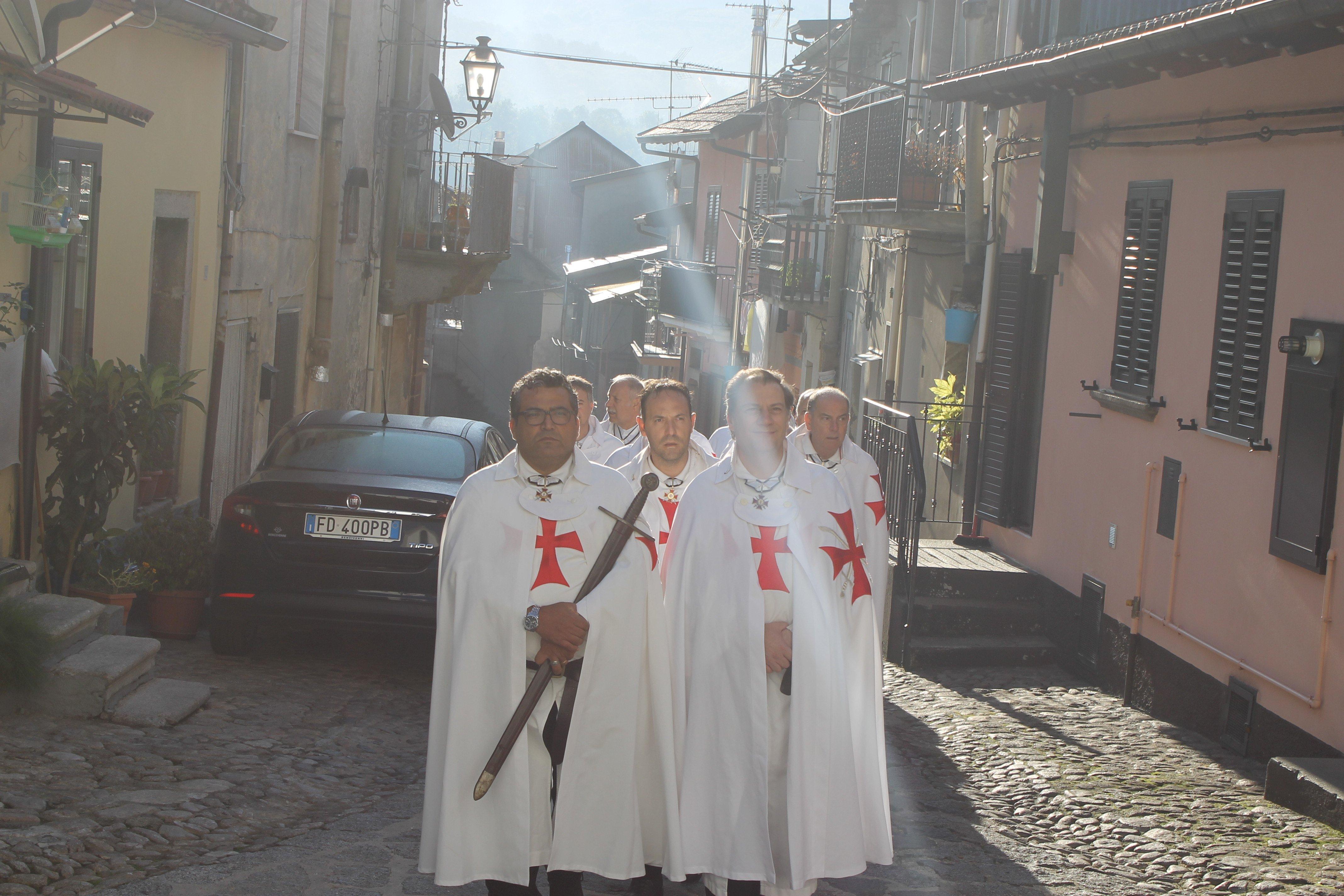I Templari Cattolici d'Italia partecipano alla Celebrazione Eucaristica domenicale dopo il conventino priorale.