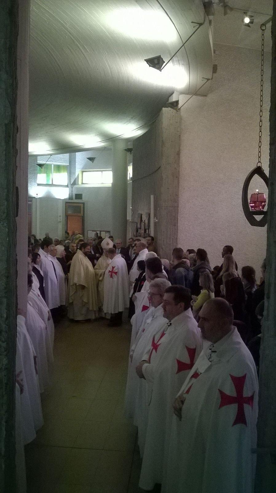 Templari Cattolici d'Italia a San Giuseppe della Pace a Milano con Mons.Giovanni D'Ercole e Don Vittorio De Paoli dell'Apostolato mondiale di Fatima