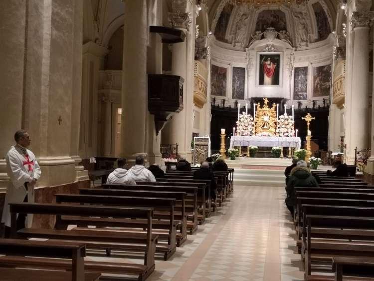 thumbnail_Veglia-Eucar.Duomo-Recanati-25-26-marzo-18-a