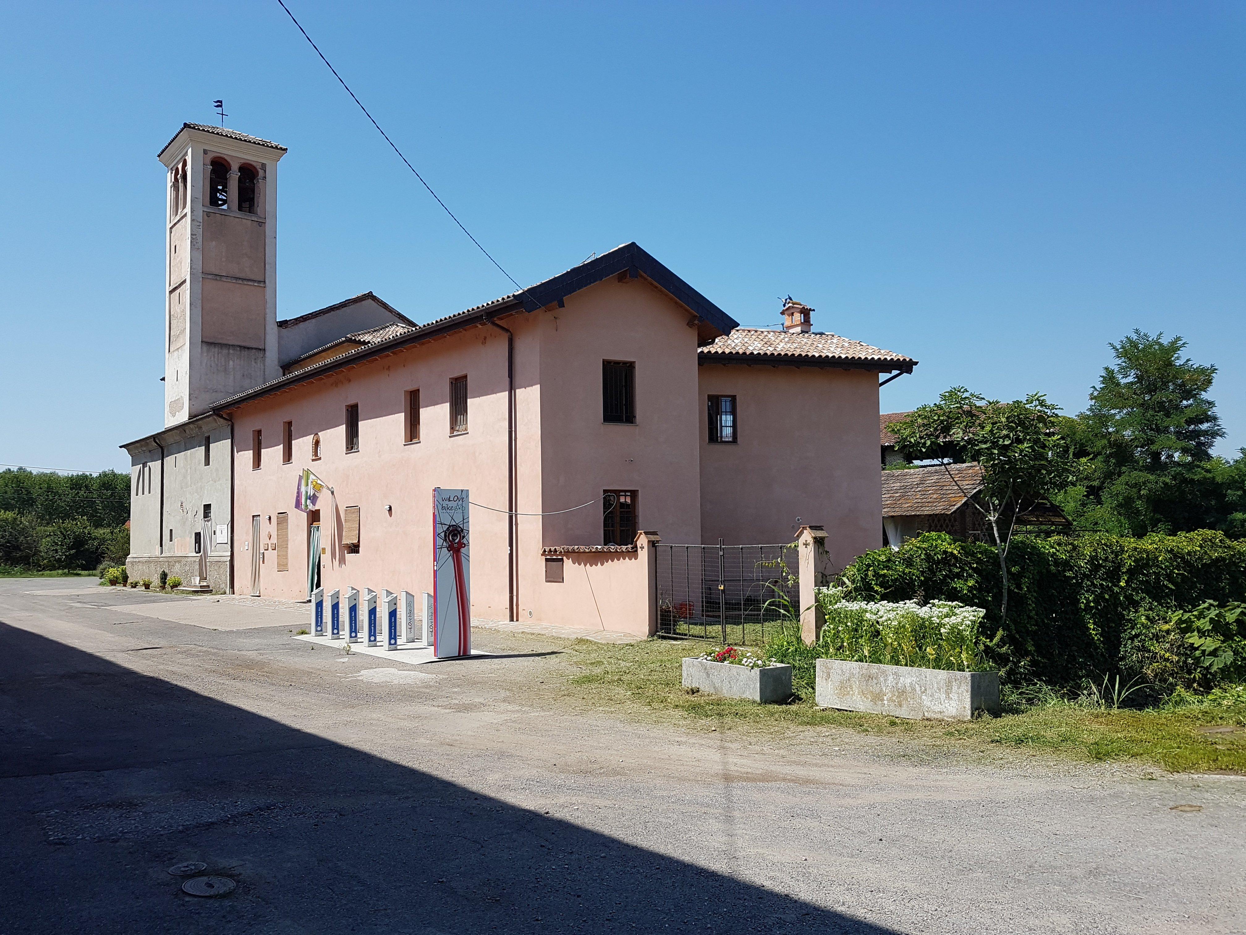 """Corte Sant' Andrea di Senna Lodigiana e ostello peregrinorum """"ad Padum"""""""